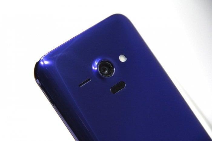 AQUOS PHONE SERIE SHL22 カメラ