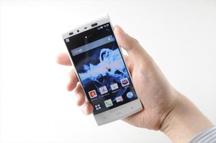 AQUOS PHONE SI SH-07E サイズ