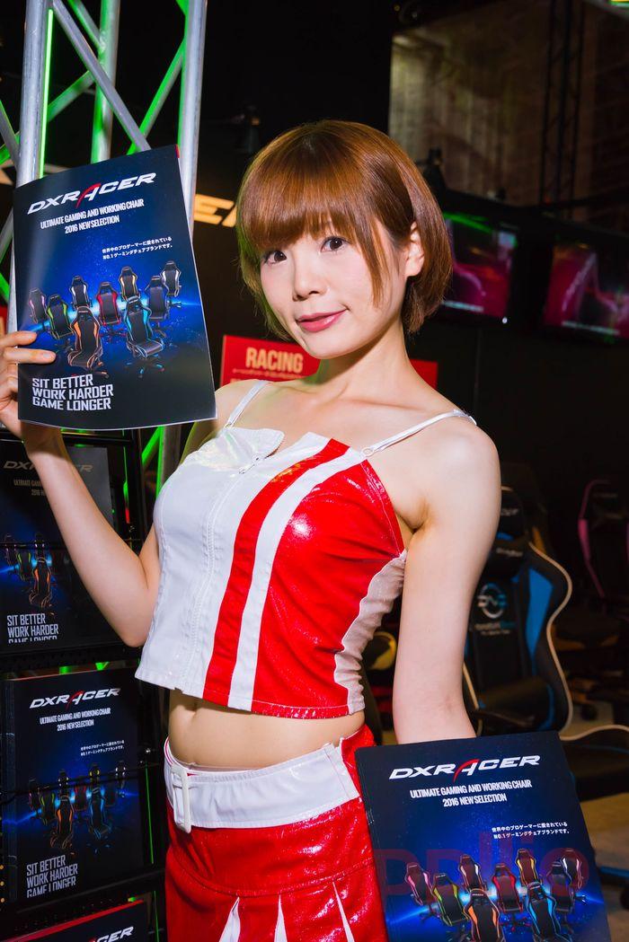 【東京ゲームショウ2016】コンパニオン写真ギャラリー4:各ブースを彩る魅惑の美女たち(2)