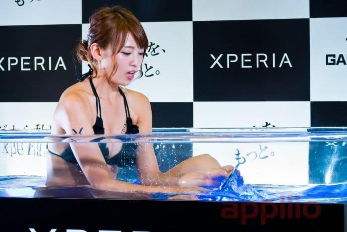コンパニオン写真ギャラリー1:Xperia風呂と初音ミク【東京ゲームショウ 2016】