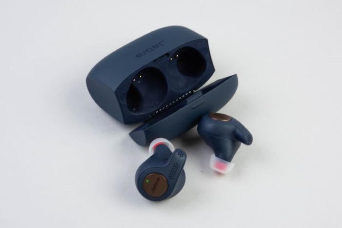 イヤホンやヘッドフォンなどの外部機器