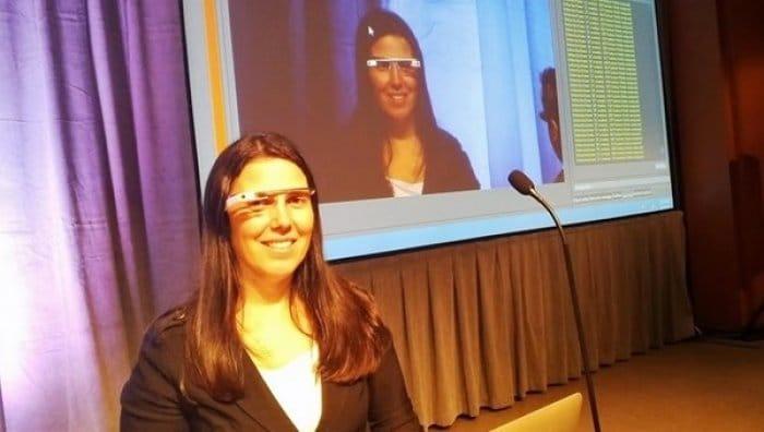 とある女性、Google Glassをかけながら運転して違反切符を切られる おそらく世界初