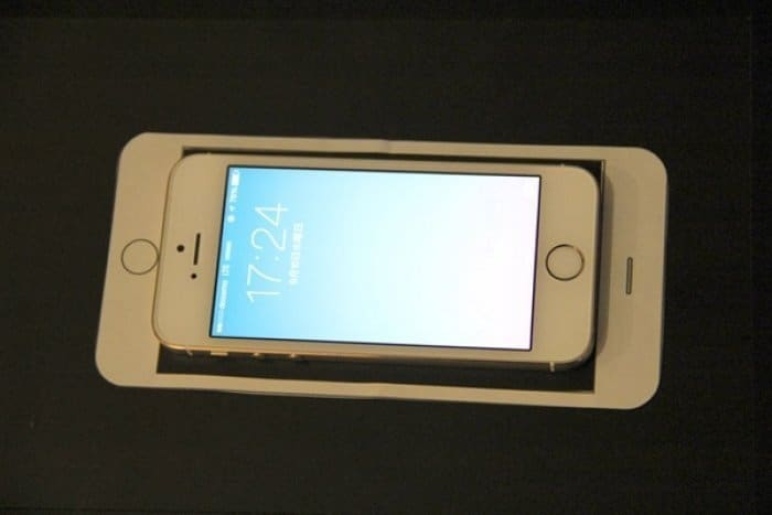 iPhone 6 Plus の型紙とiPhone 5s