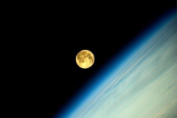2014年8月のスーパームーン:ISS(国際宇宙ステーション)から撮影