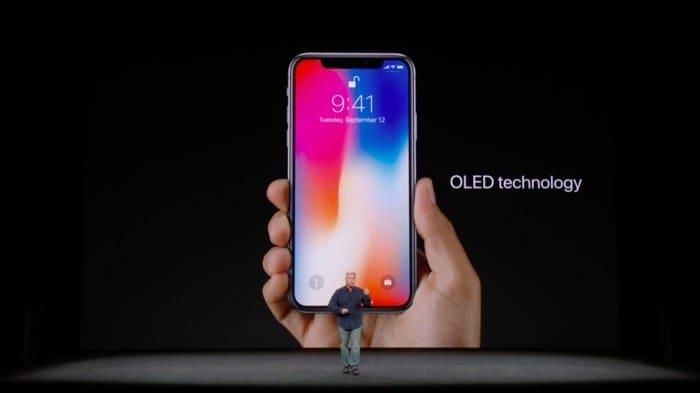 iPhone X:有機EL(OLED)