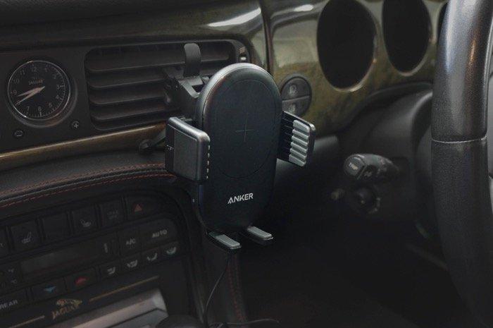 ワイヤレス充電器の選び方 Anker PowerWave 7.5 Car Mount(Anker)