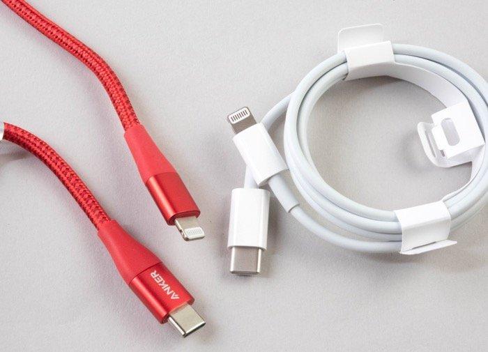 【iPhone 充電器の選び方】専用ケーブル