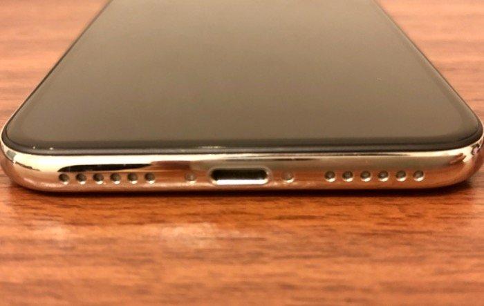 iPhoneの消毒 開口部