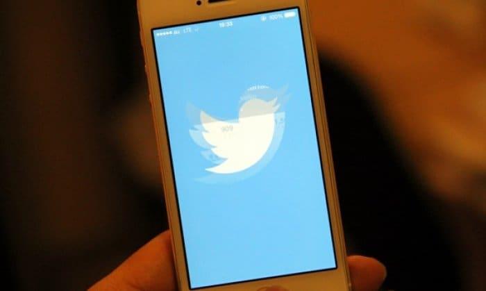 Twitterアプリのアップデートで鳥が襲ってくるようなアニメーションが追加