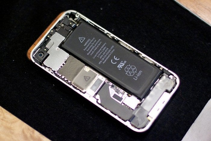 iPhoneのバッテリー交換の現状(診断・費用)と、電池の劣化を抑え寿命を延ばすコツ
