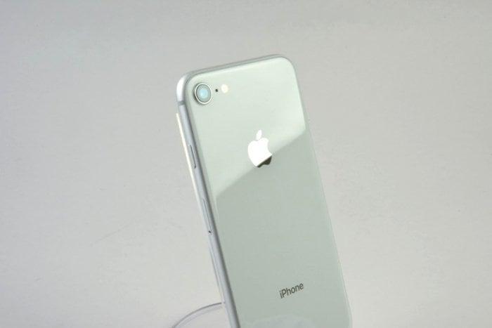 アップル、iPhone 8の「ロジックボード交換プログラム」を開始 対象端末は無料で修理