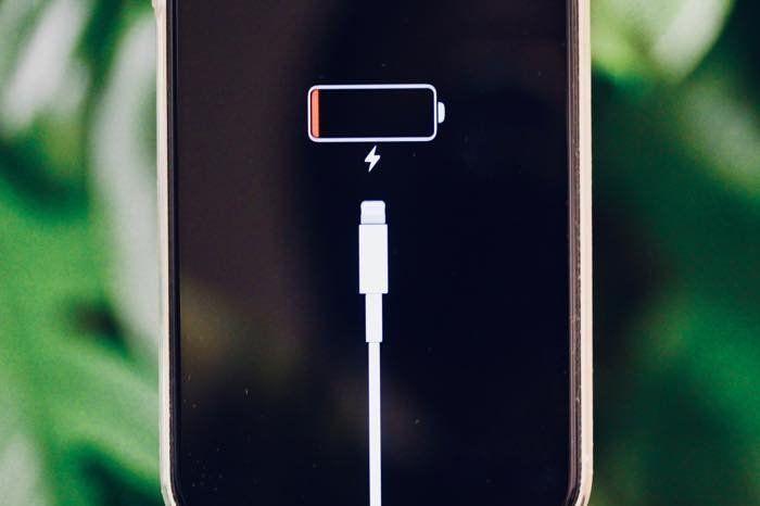 iPhoneが「充電できない」時に考えられる10の原因と対処法