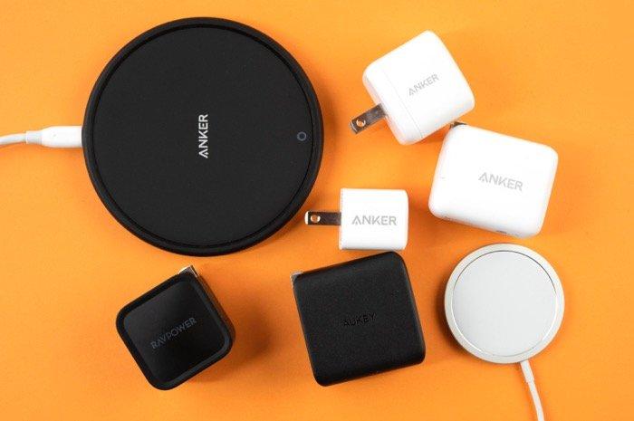 iPhoneに最適な充電器の選び方──おすすめ商品やワイヤレス充電器の選び方も紹介