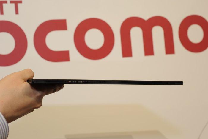 Xperia Tablet Z SO-03E 横から