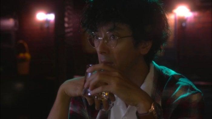 滝藤賢一が魅せる、変わり者探偵の超高速仕事術──ドラマ『探偵が早すぎる』