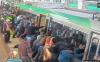 また乗客が電車を押して救出、今度はオーストラリア