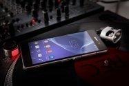 Sony、「Xperia Z2」を発表──4K動画撮影に対応、デジタルノイズキャンセリング機能搭載