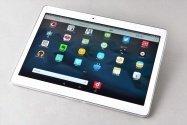フルセグ対応で価格も手ごろな大画面タブレット、ドコモ「dtab d-01H」