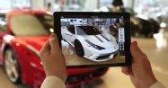 フェラーリが高度なARアプリ、ショールームの実車を分解したりカスタムできる体験を提供
