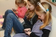 【最新版】子どものiPhoneで設定すべき機能制限とフィルタリング、位置情報のチェック方法などを徹底解説
