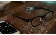 目の動きで居眠り運転の可能性も警告するメガネ「JINS MEME」が11月5日発売