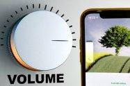 LINEの着信音・通知音の音量を変更する方法 音量が小さい/大きいときの調節【iPhone/Android】