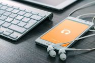 定額制の音楽配信(聴き放題)サービスおすすめ8選──楽曲や音質、料金、オフライン再生、PC版などを比較