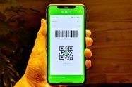 【LINE Pay】意外と簡単、QR/バーコード決済(コード支払い)の使い方 コンビニでの利用方法をざっくり解説