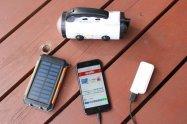 登山やキャンプ、災害時などに活躍!ソーラー/手回し/電池式のスマホ充電器を紹介