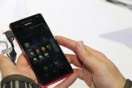Sonyが「Xperia V」や「ウォークマン Fシリーズ」を展示、実機レポート[CEATEC 2012]